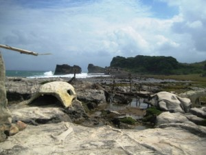 Kapurpurawan Rock Formation photo by Hitokirihoshi